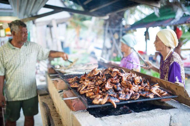 BBQ di Sebukang Bay Resort, Pulau Aur